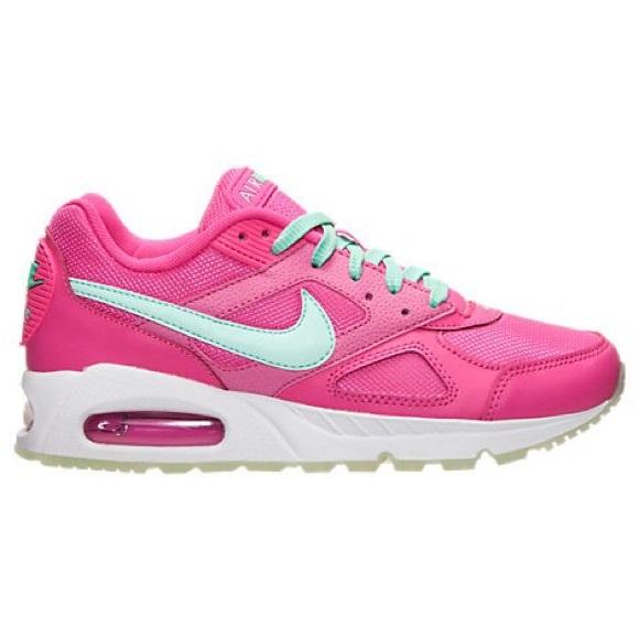 Hot pink women's Nike air max Ivo sneakers